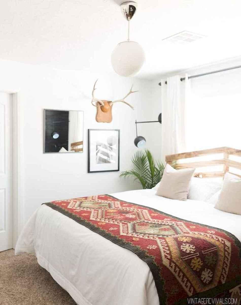 50 Stunning Vintage Apartment Bedroom Decor Ideas (3)