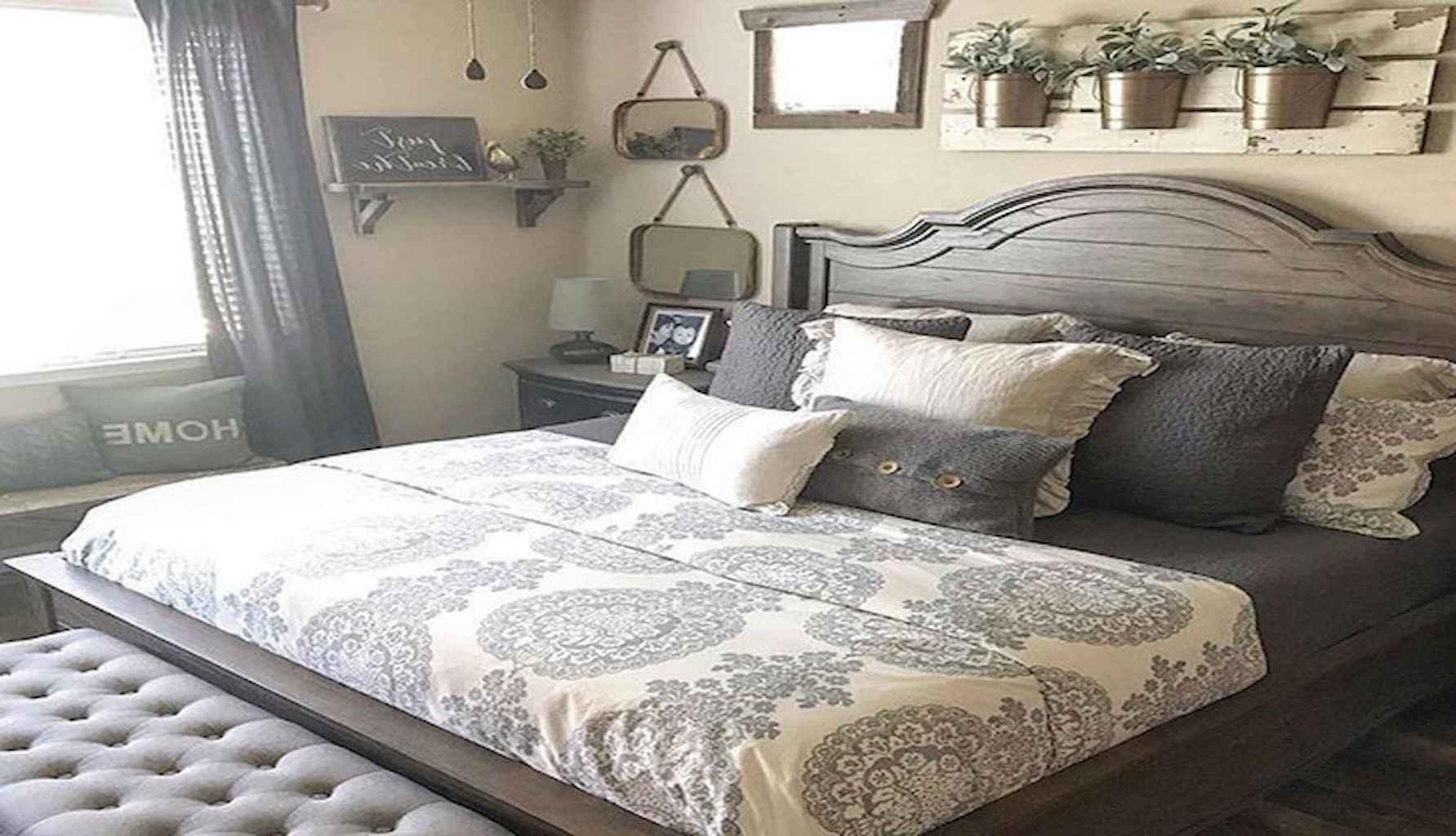 100 Stunning Farmhouse Master Bedroom Decor Ideas (33)