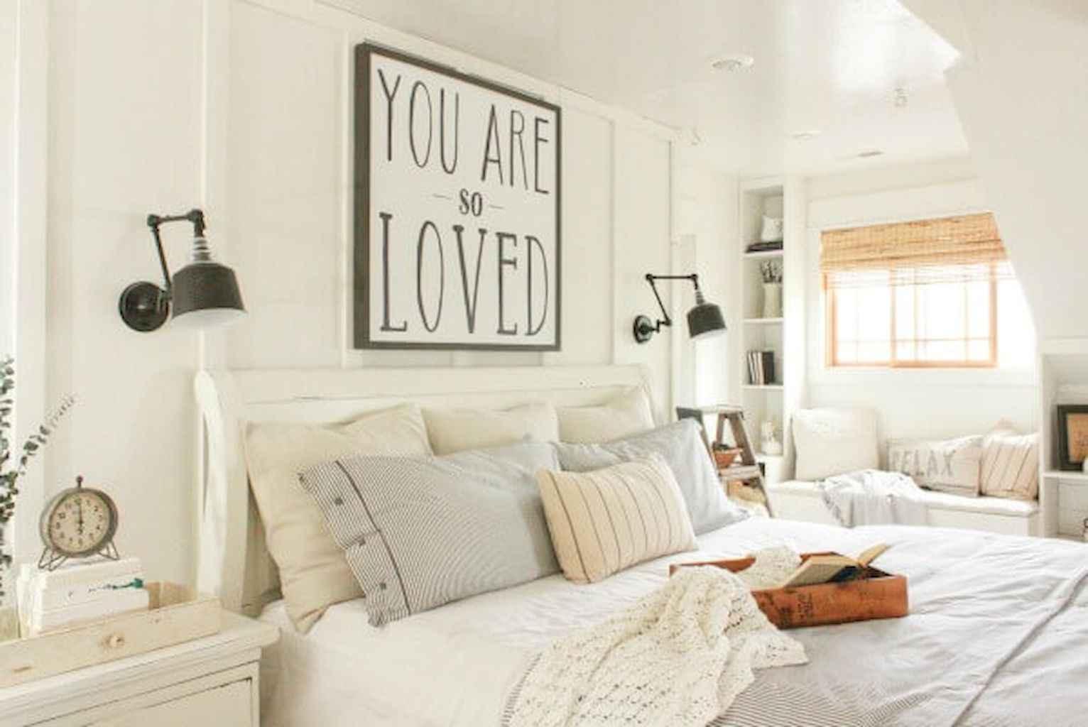 100 Stunning Farmhouse Master Bedroom Decor Ideas (41)