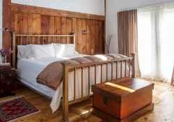 100 Stunning Farmhouse Master Bedroom Decor Ideas (63)