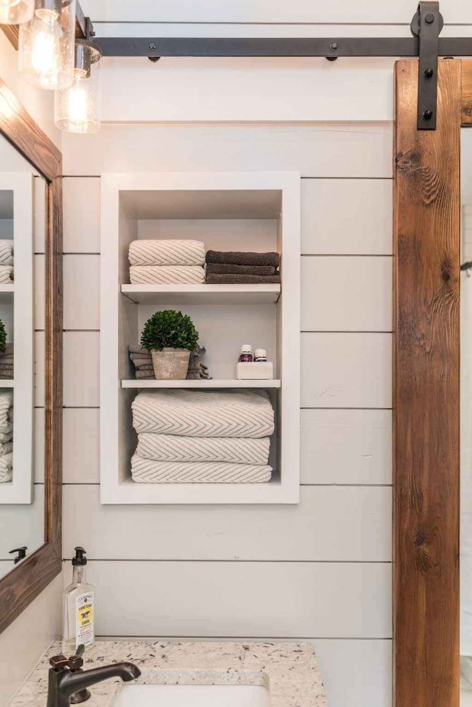 110 Best Farmhouse Bathroom Decor Ideas (124)