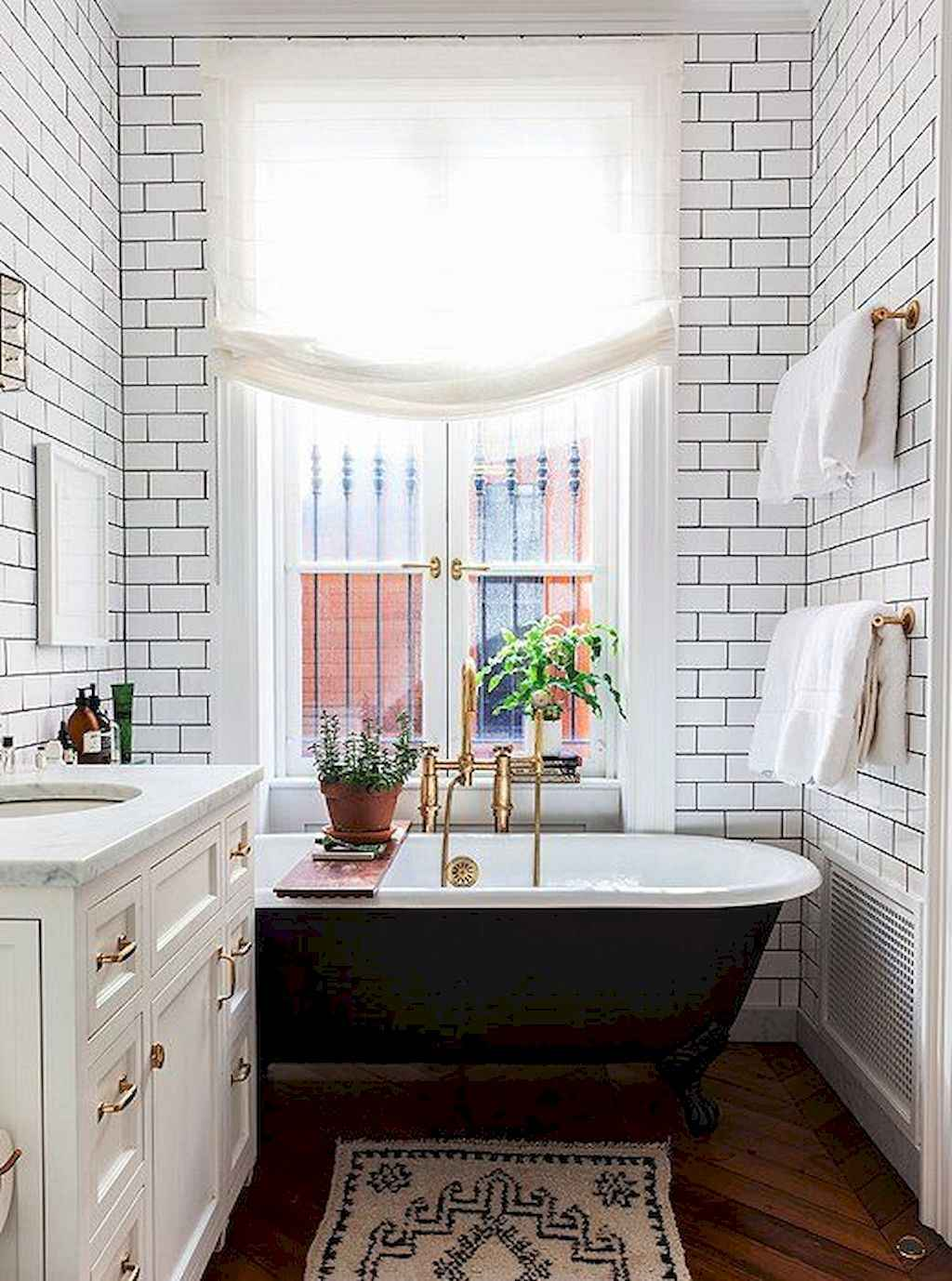 111 Brilliant Small Bathroom Remodel Ideas On A Budget (69)