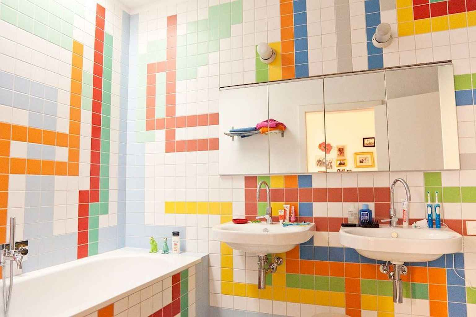 55 Cool and Relax Bathroom Decor Ideas (14)