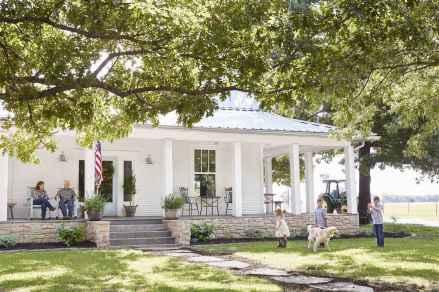 80 Amazing Plantation Homes Farmhouse Design Ideas (24)