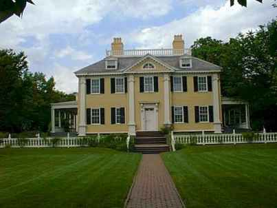 80 Amazing Plantation Homes Farmhouse Design Ideas (27)