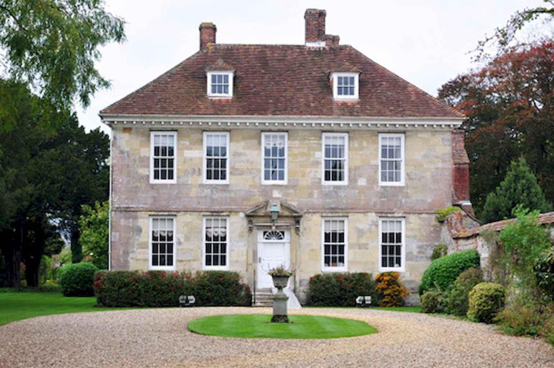 80 Amazing Plantation Homes Farmhouse Design Ideas (40)