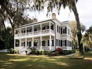80 Amazing Plantation Homes Farmhouse Design Ideas (41)