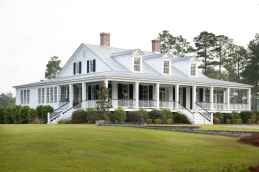 80 Amazing Plantation Homes Farmhouse Design Ideas (43)