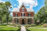 80 Stunning Victorian Farmhouse Plans Design Ideas (15)