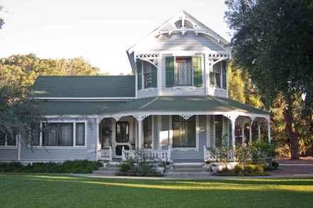 80 Stunning Victorian Farmhouse Plans Design Ideas (66)