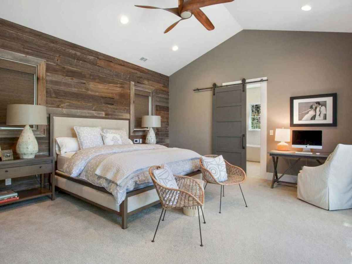 Best 25 Farmhouse Master Bedroom Decor Ideas (11)