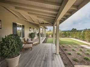 Best 25 Farmhouse Porch Design Ideas (18)