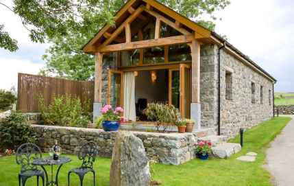 Best 25 Small Cottages Design Ideas (19)