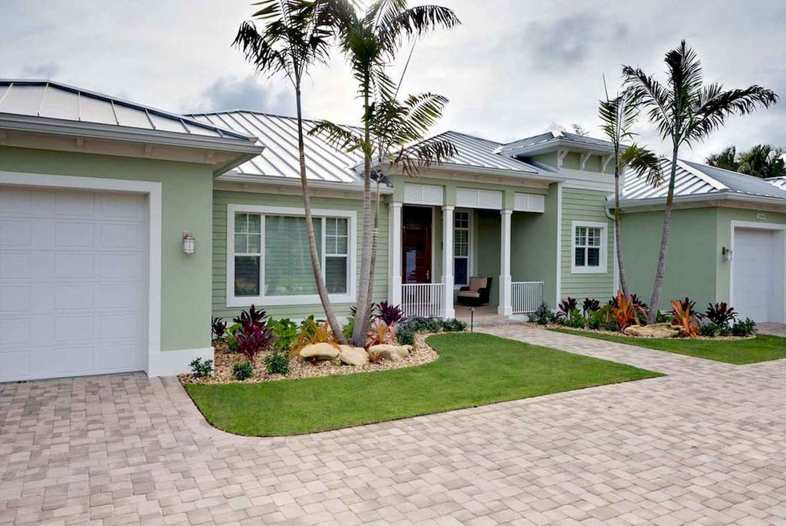 35 Beautiful Frontyard Landscaping Design Ideas and Remodel (11)