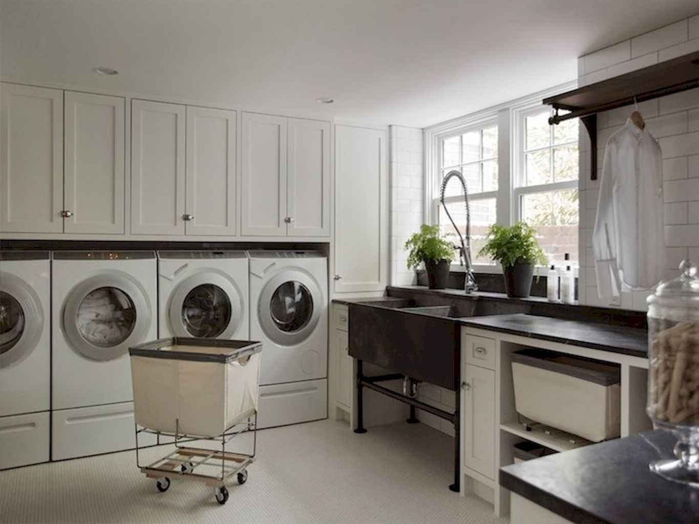 45 Rustic Farmhouse Laundry Room Design Ideas and Makeover (23)