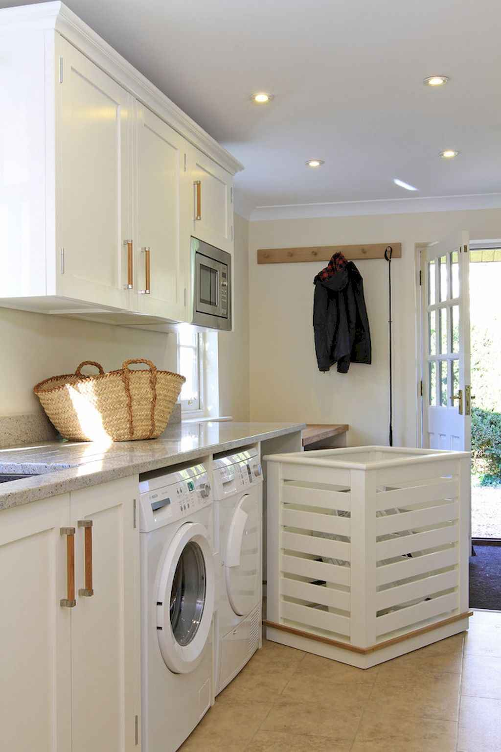 45 Rustic Farmhouse Laundry Room Design Ideas and Makeover (33)