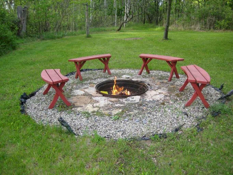 60 Beautiful Backyard Fire Pit Ideas Decoration and Remodel (35)