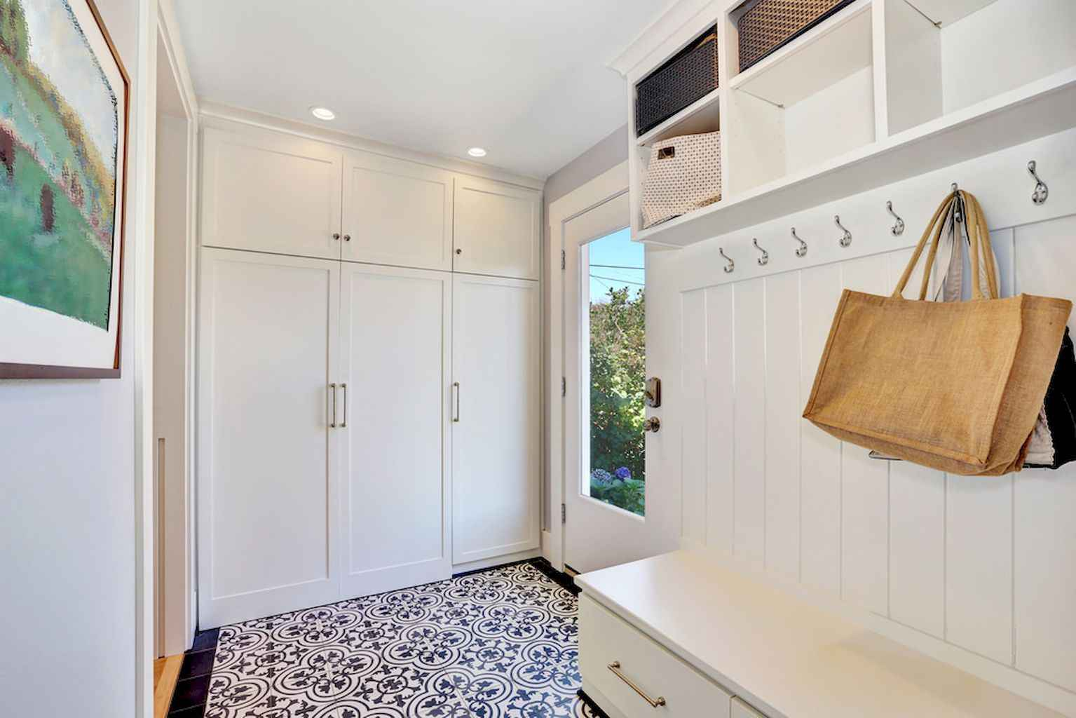 65 Cool Mudroom Design Ideas and Remodel (39)