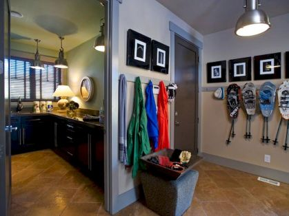 65 Cool Mudroom Design Ideas and Remodel (5)