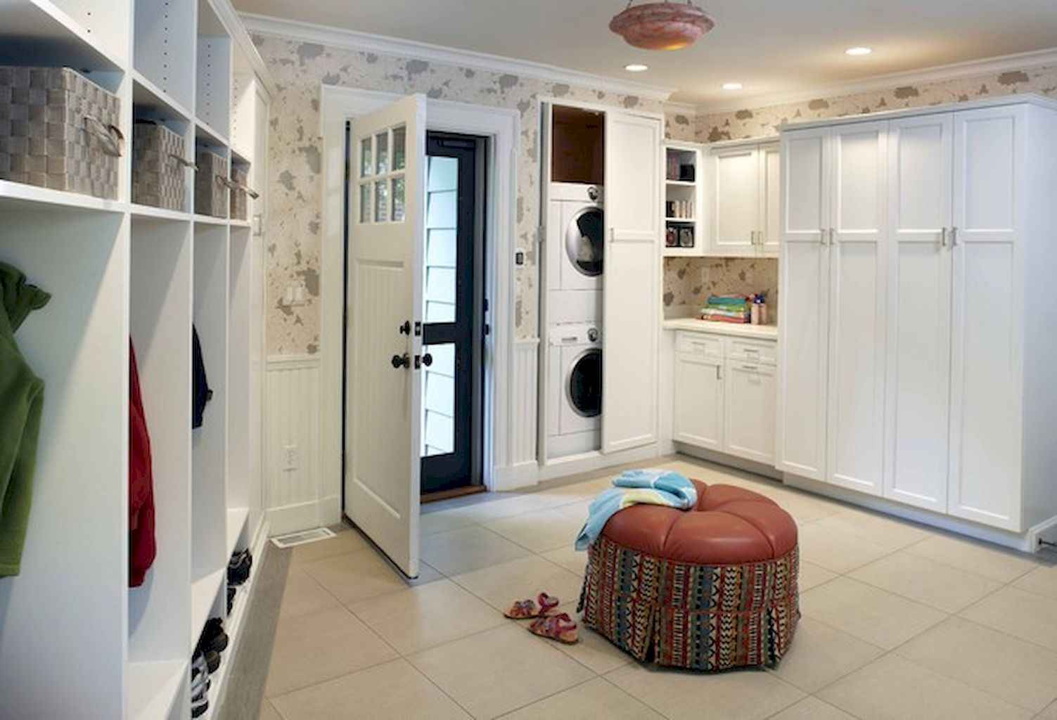 65 Cool Mudroom Design Ideas and Remodel (55)