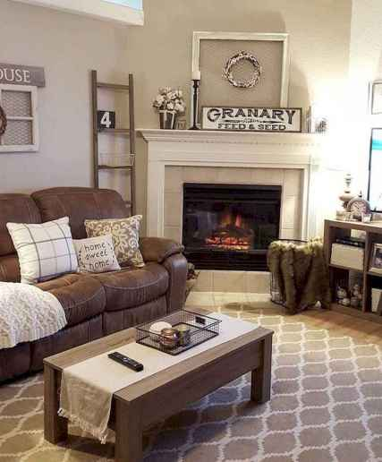 70 Rustic Farmhouse Living Room Decor Ideas (3)