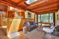 71 Best Small And Unique Tiny House Living Design Ideas (26)