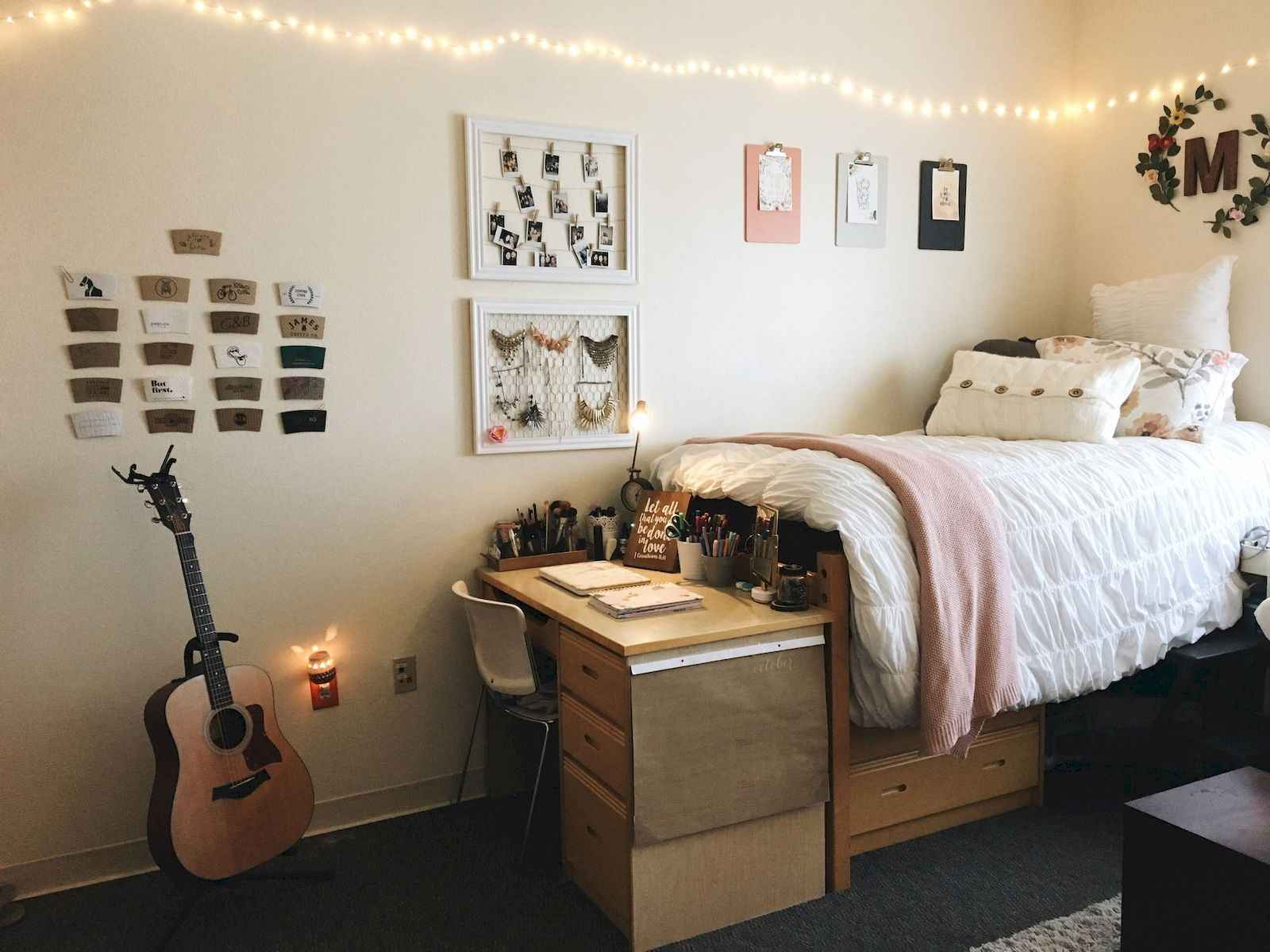 60 Gorgeous College Dorm Room Decorating Ideas And Makeover (36)