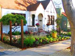 60 Stunning Low Maintenance Front Yard Landscaping Design Ideas And Remodel (40)
