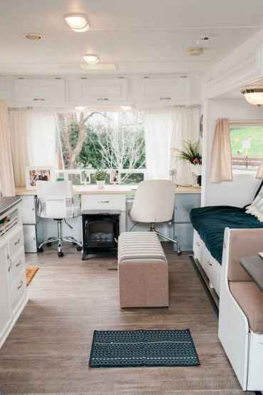 70 Stunning RV Living Camper Room Ideas Decorations Make Your Summer Awesome (30)