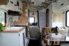 70 Stunning RV Living Camper Room Ideas Decorations Make Your Summer Awesome (47)