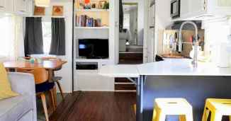 70 Stunning RV Living Camper Room Ideas Decorations Make Your Summer Awesome (57)