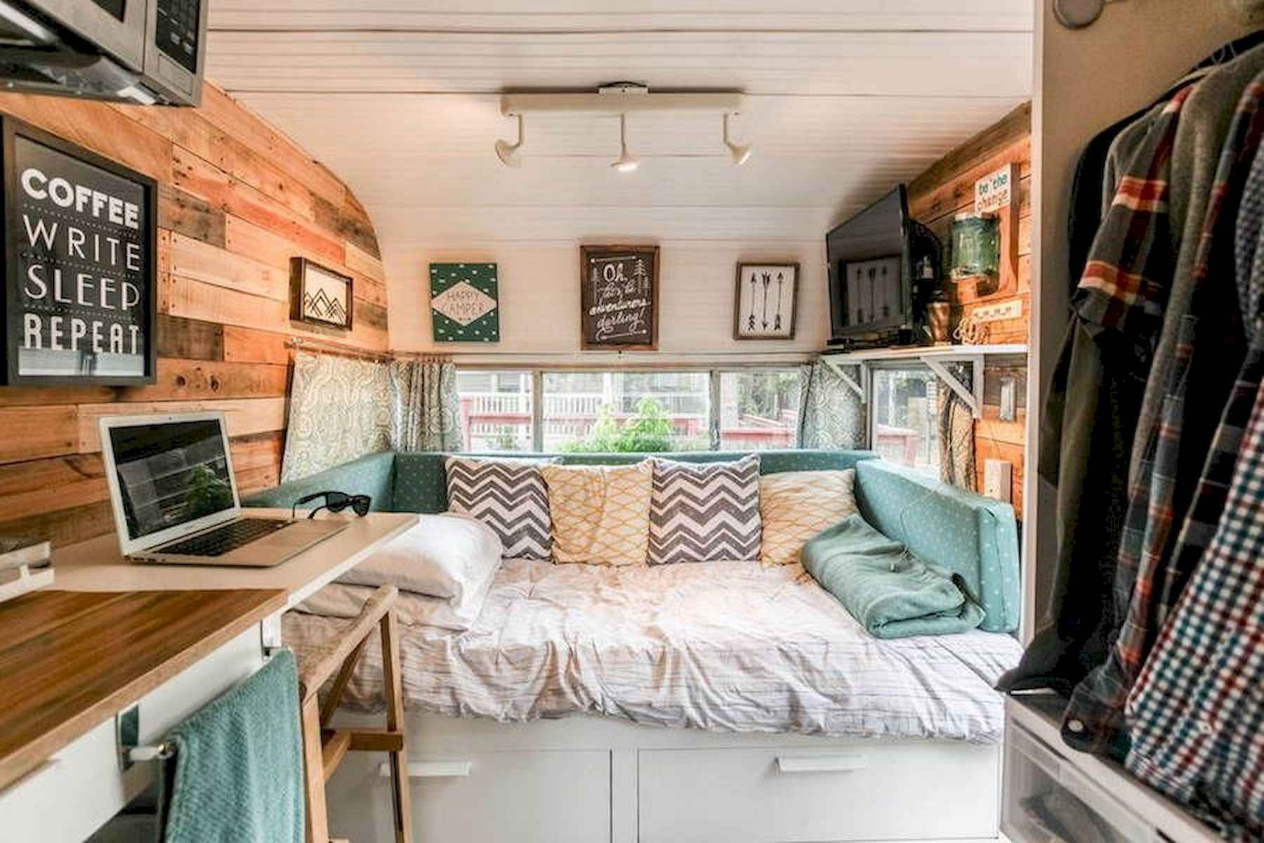 70 Stunning RV Living Camper Room Ideas Decorations Make Your Summer Awesome (69)