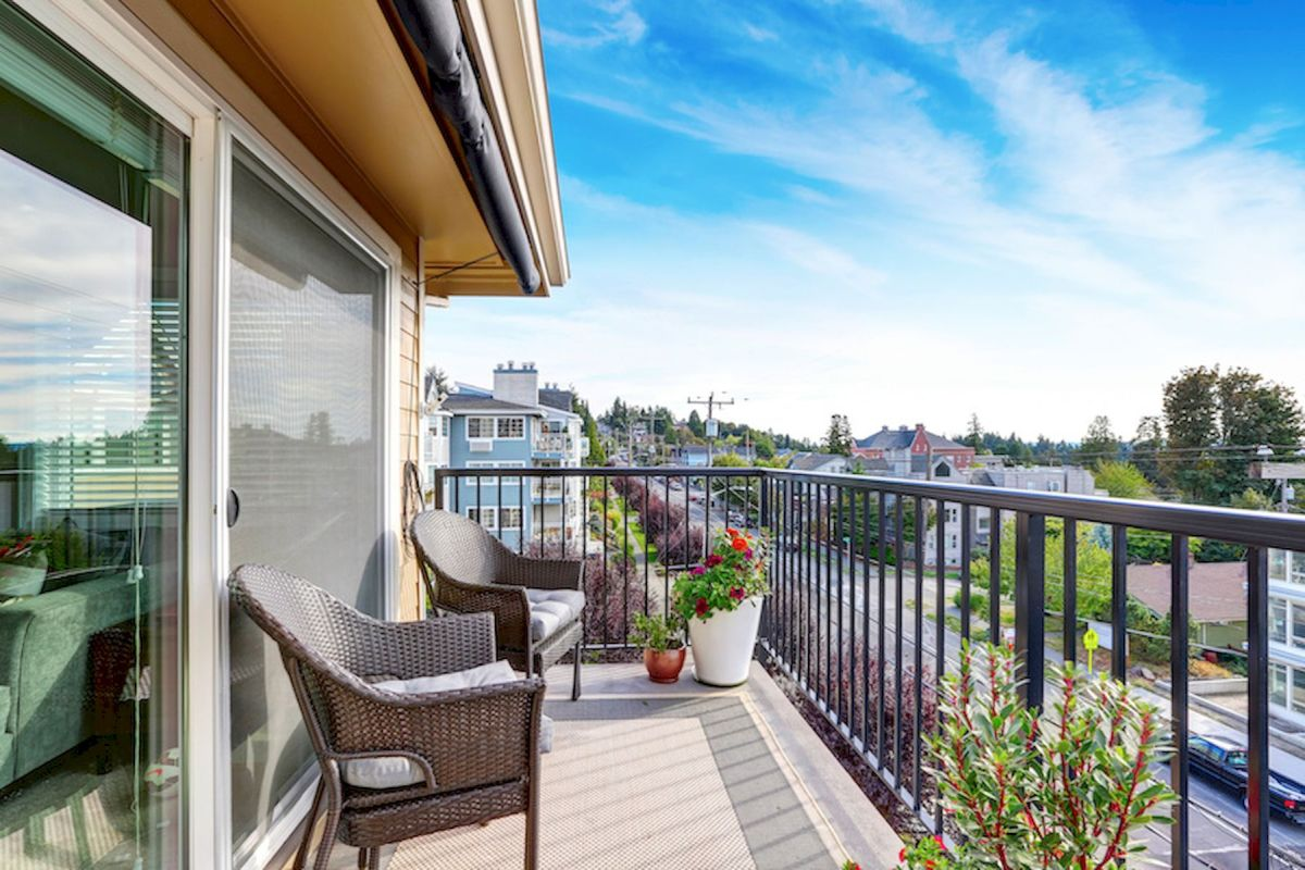80 Small Apartment Balcony Decor Ideas And Makeover (1)