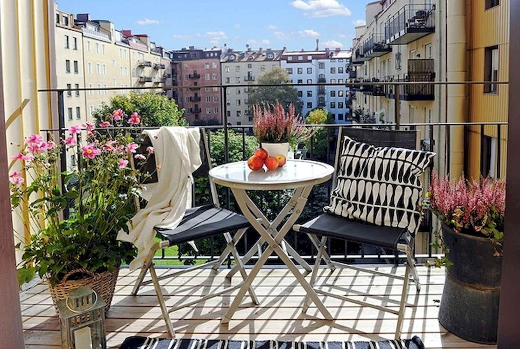 80 Small Apartment Balcony Decor Ideas And Makeover (2)
