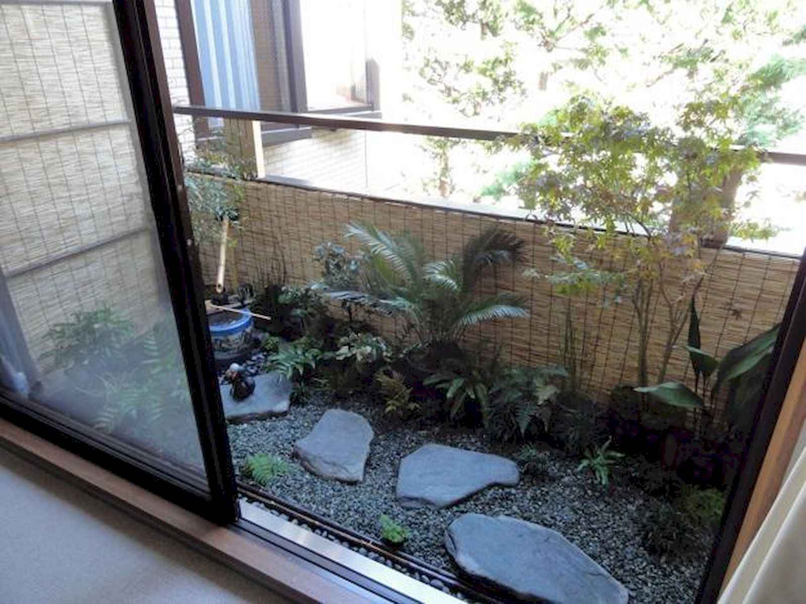 80 Small Apartment Balcony Decor Ideas And Makeover (24)