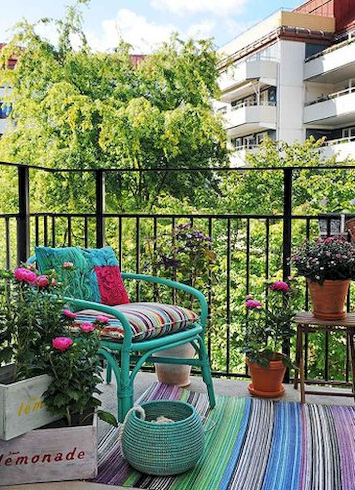 80 Small Apartment Balcony Decor Ideas And Makeover (36)
