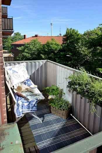 80 Small Apartment Balcony Decor Ideas And Makeover (57)