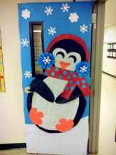 40 Creative DIY Christmas Door Decorations For Home And School (30)