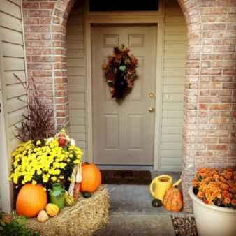 40 Creative DIY Halloween Ideas Decorations On A Budget (1)