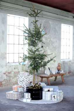 40 Creative and Easy Christmas Decorations for Your Apartment Ideas (36)