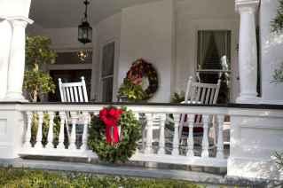 50 Creative Christmas Front Porch Decor Ideas And Design (16)