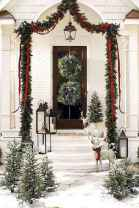 50 Creative Christmas Front Porch Decor Ideas And Design (21)