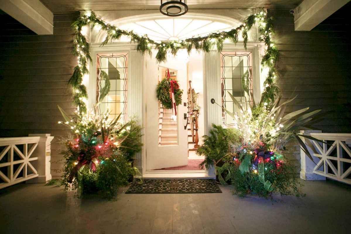 50 Creative Christmas Front Porch Decor Ideas And Design (23)