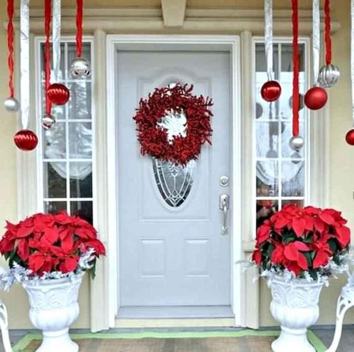50 Creative Christmas Front Porch Decor Ideas And Design (24)