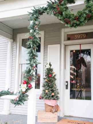 50 Creative Christmas Front Porch Decor Ideas And Design (39)
