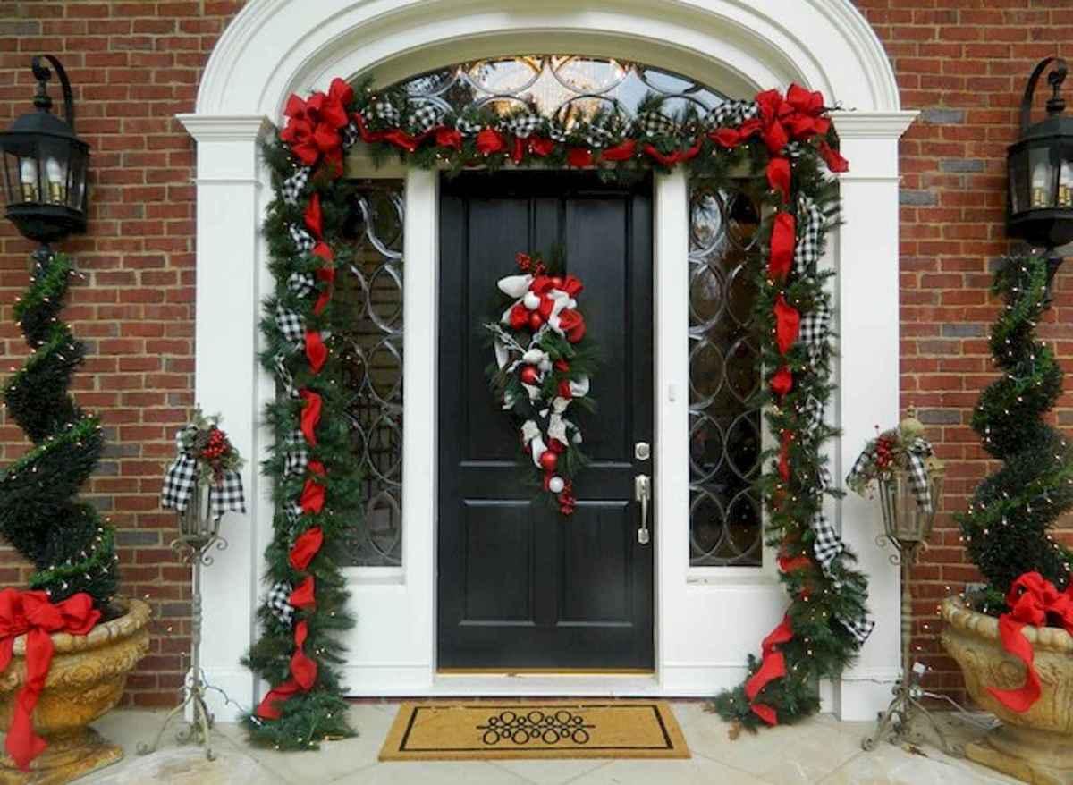 50 Creative Christmas Front Porch Decor Ideas And Design (46)