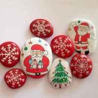 50 Creative DIY Christmas Painted Rock Design Ideas (22)