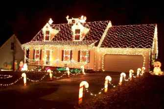 50 Creative Outdoor Christmas Decor Ideas And Makeover (13)