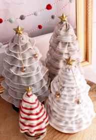 50 Creative and Easy DIY Christmas Decor Ideas And Design (24)