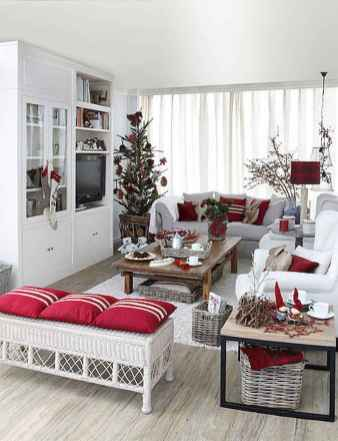 60 Creative Farmhouse Christmas Decorating Ideas And Makeover (33)